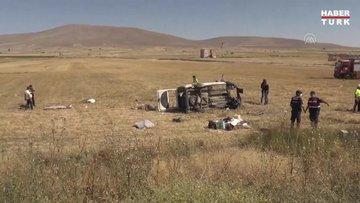 Kayseri'de hafif ticari araç şarampole devrildi: 3 ölü, 9 yaralı