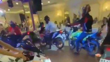 Düğünde motosiklet şov!