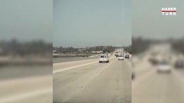 California'da uçak otoyola acil iniş yaptı!