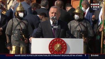 Cumhurbaşkanı Erdoğan, Ahlat'ta vatandaşlara seslendi