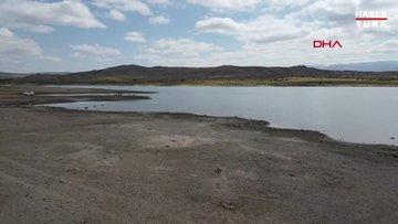 Sarıoğlan Barajı'nda su seviyesi yüzde 20'ye düştü; balık ölümleri başladı