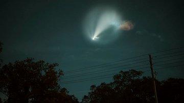 SpaceX'in uzay aracı geceyi böyle aydınlattı
