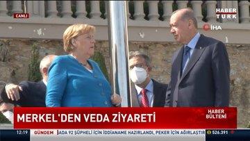 Veda ziyaretleri kapsamında Türkiye'ye gelen Merkel ile Cumhurbaşkanı Erdoğan'ın görüşmesi başladı