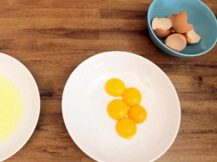 Yumurta sarısını böyle ayırın!