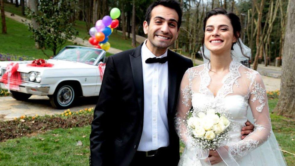 Aşk Yeniden dizisi Fatih Zeynep'e evlenme teklifi ediyor